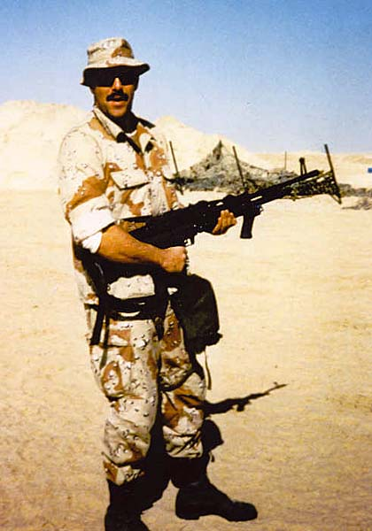 395 Jeff Scholl with the Marines in  Saudi