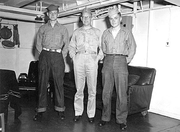 094 RADM  L.E.Denfeld C.S.Jones on right 1945