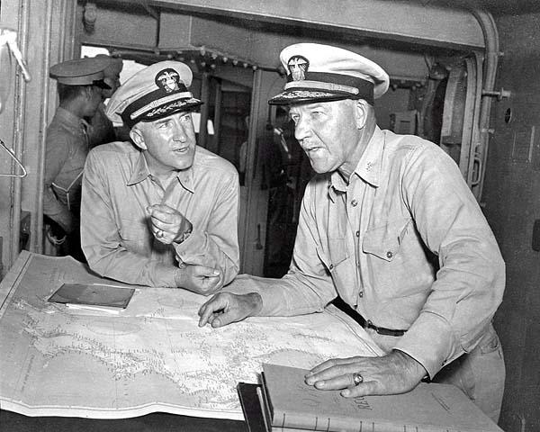 321 Capt.E.E. Stone and RADM E.W. Hanson