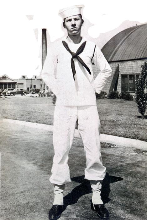 559 Richard Evans - Great Lakes 1945
