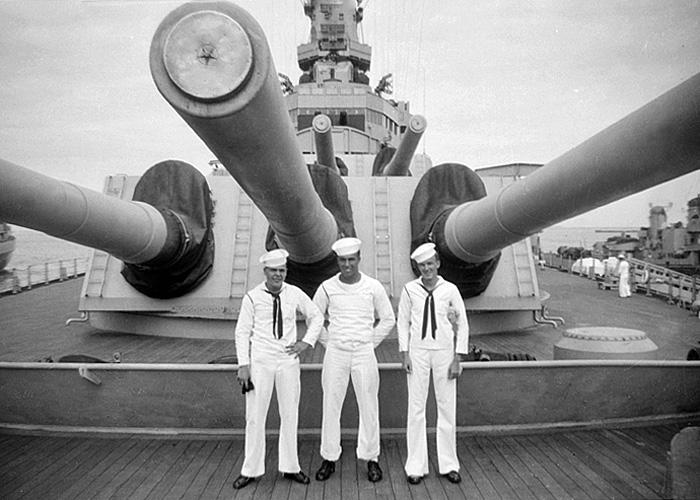 561 USS Wisconsin - forward guns circa 1945-46