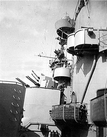 087 Bodnar gun tubs port side