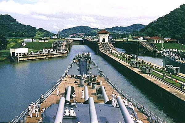 094 Panama canal