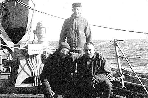 143 H.Seavers standing Korea 1952