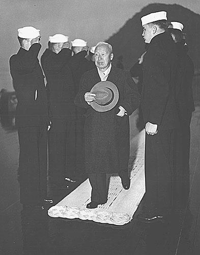 181 Pres. Syngman Rhee arrives aboard,Pusan Harbor Jan.20,19