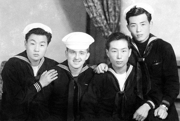 886 File0003 Ken and S. Korean sailors