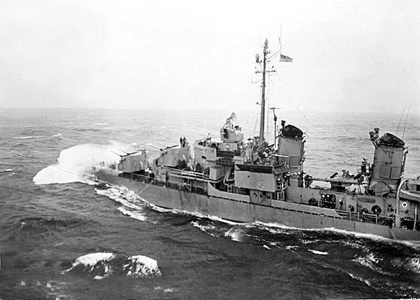 897 K.Anderson File0013 USS Lowry (DD-770)