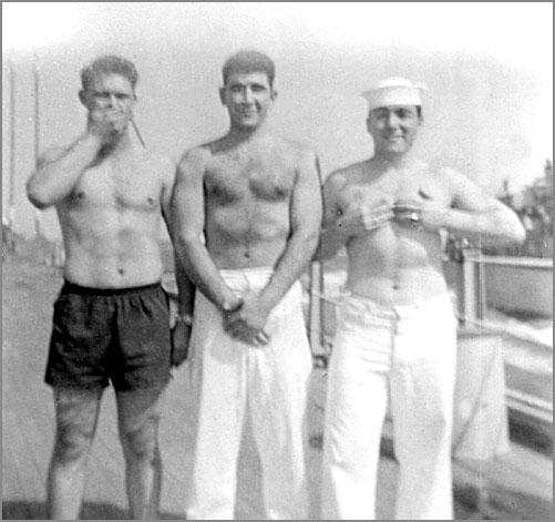 913 Arnold Cohen in center