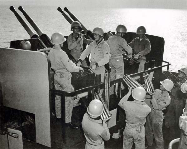 1033 1950s Marines 40mm Gun  4x6  100