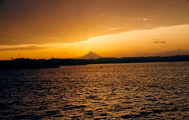 1129 Sunset bshind Mt. Fugi
