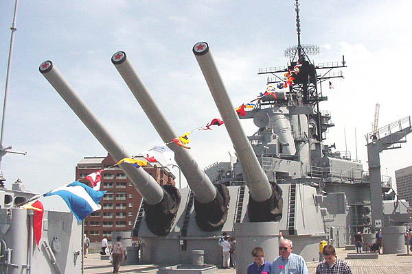 115 04-16-01 006 Dress Ship Flags