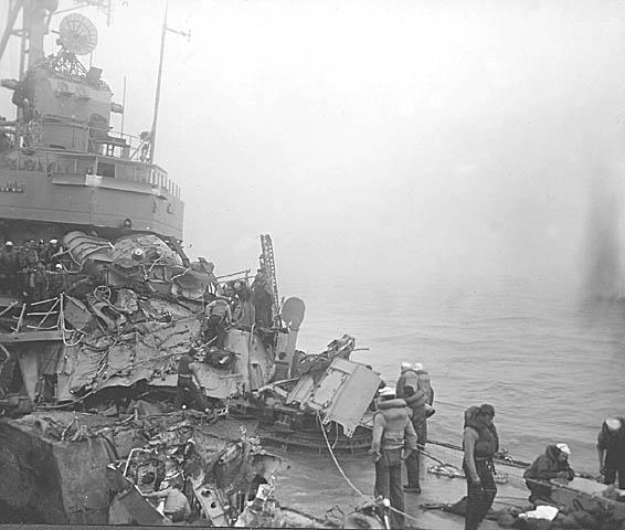C 04 USS Eaton DDE-510 Collision.JPG