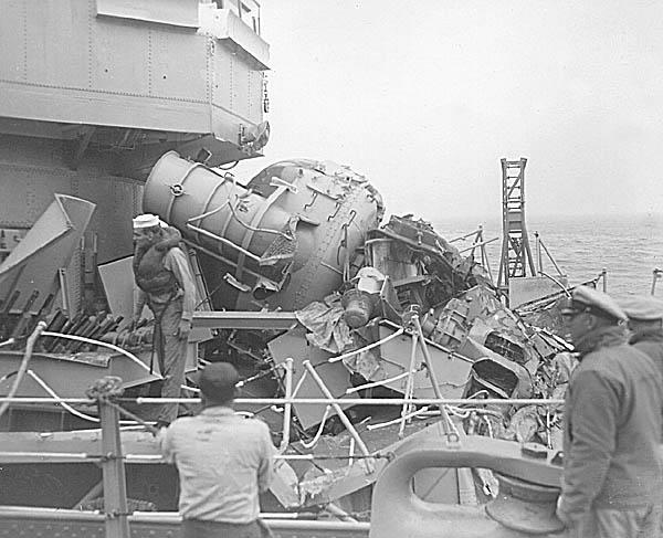 C 07 USS Eaton DDE-510 Collision.JPG