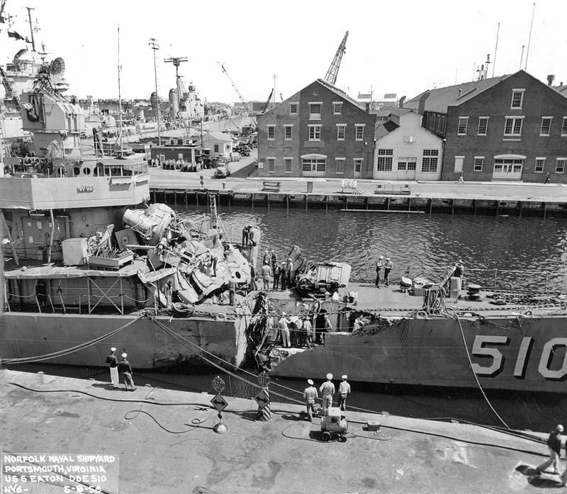 C 31 USS Eaton Norfolk Naval Shipyard 05-08-56.jpg