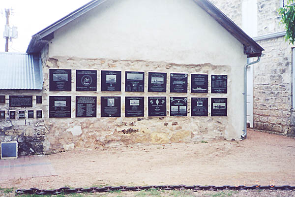 001a WALL OF HONOR TEXAS