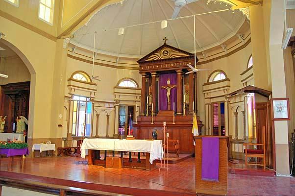 024 00011 Main Altar
