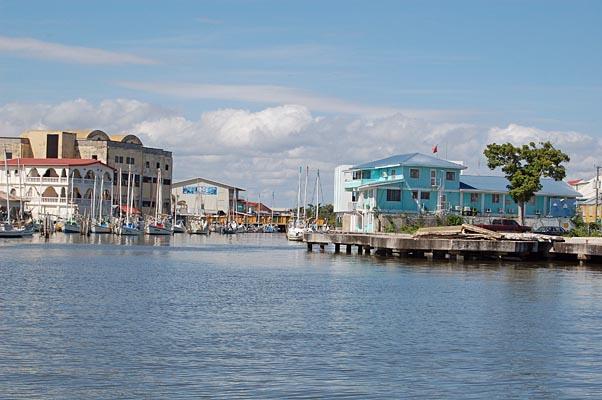 026 00017 Belize Rive Inlet